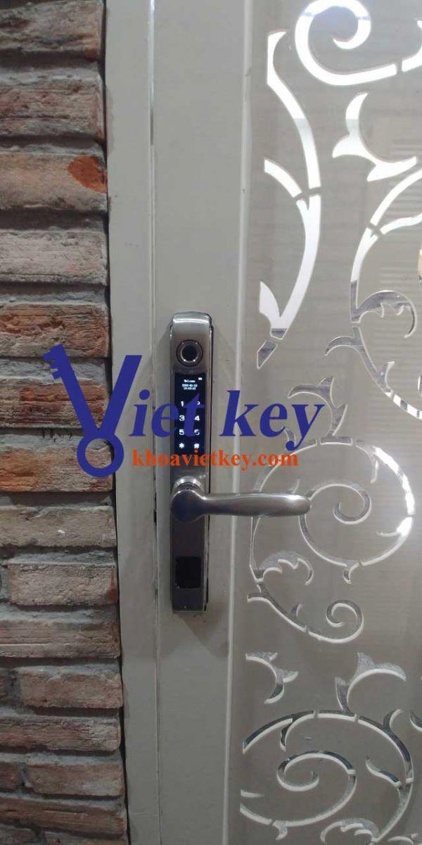 khóa vân tay cửa nhôm