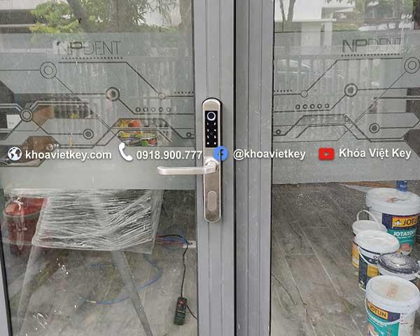 lắp đặt khóa cửa vân tay 2 chiều tại hcm