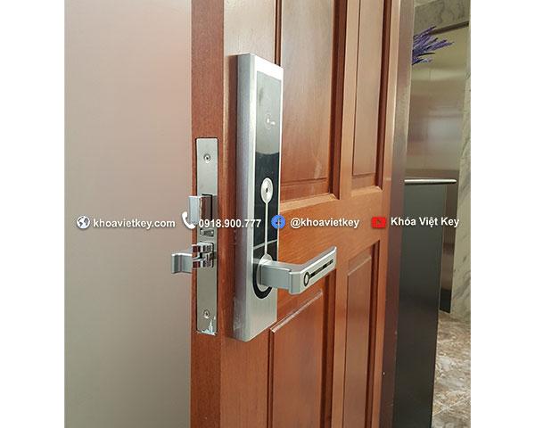 lắp đặt khóa khách sạn Denso Lock hl01 tại quận phú nhuận