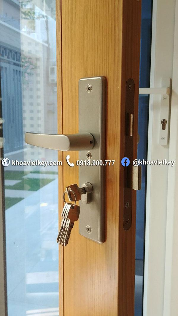 lắp đặt khóa khóa tay gạt abus cao cấp klt512