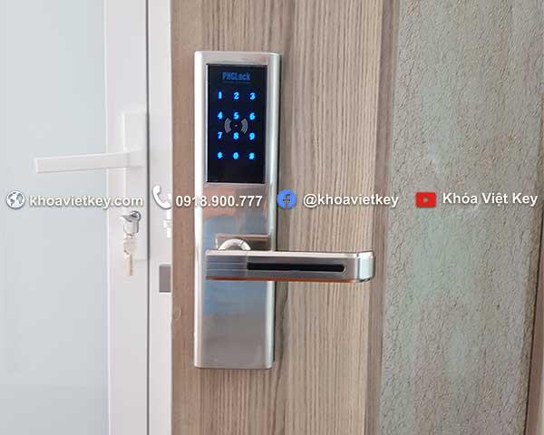 lắp đặt khóa thẻ từ cho căn hộ dịch vụ cho thuê tại hcm