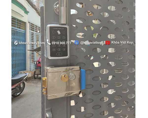 lắp đặt khóa thẻ từ giá rẻ cho cửa cổng nhà trọ tại hcm
