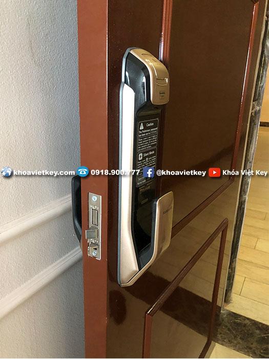 lắp đặt khóa vân tay samsung 728 tại hcm