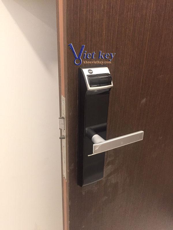 ráp khóa điện tử yale ydm4109+
