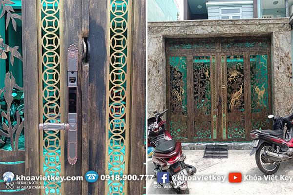 lắp đặt khóa vân tay 2 chiều cho cửa cổng nhà phố