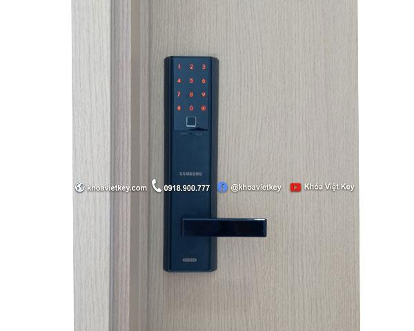 ráp khóa vân tay samsung shp dh538 tại quận 7